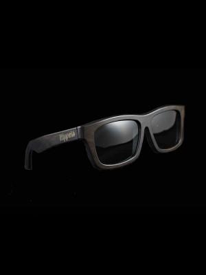 Gafas de sol de madera tarantula black tamaño completo fondo negro