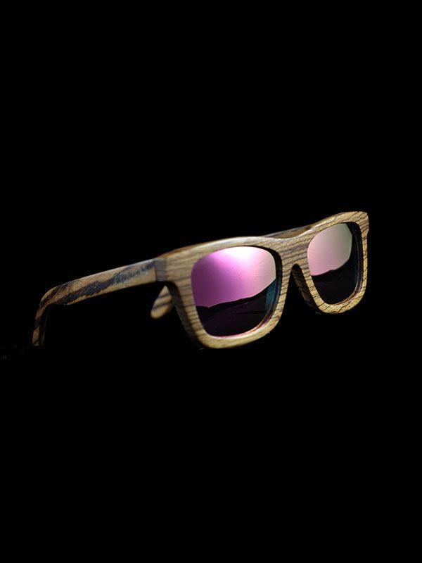 Gafas de sol de madera zebra pink tamaño completo fondo negro